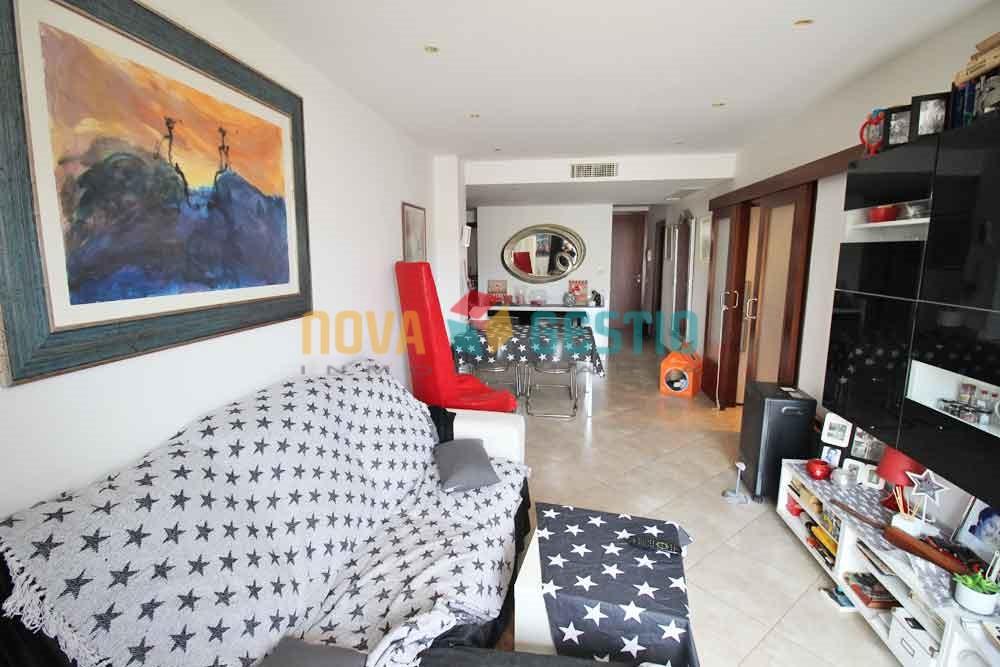 Piso con terraza se alquila en Manacor : : PI522MA-AES
