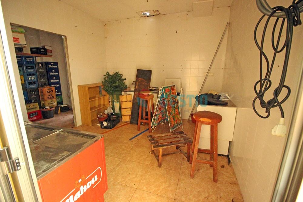Amplio local en alquiler en Cala Millor : : LO599CMI-AES