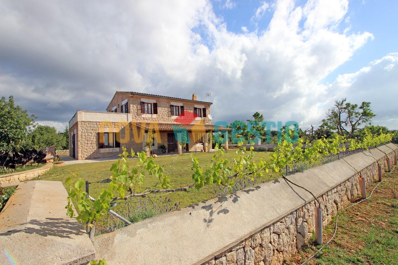 Landhaus in Son Carrió zur Miete : : FI723SCA-ADE