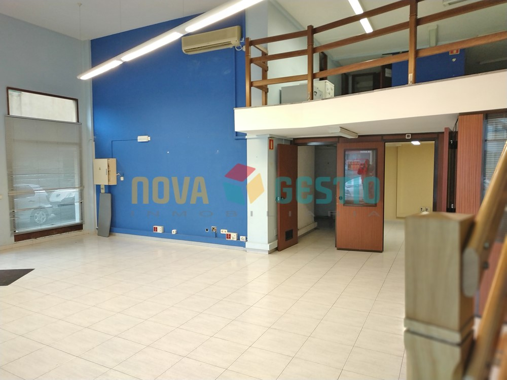 Local comercial alquiler Manacor : : LO818MA-AES