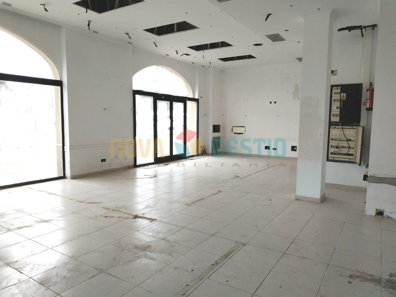 Local comercial alquiler Manacor : : LO811MA-AES