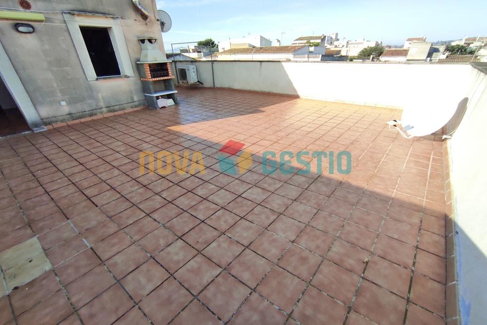 Piso techo libre en alquiler en S'Illot : : PI927SI-AES